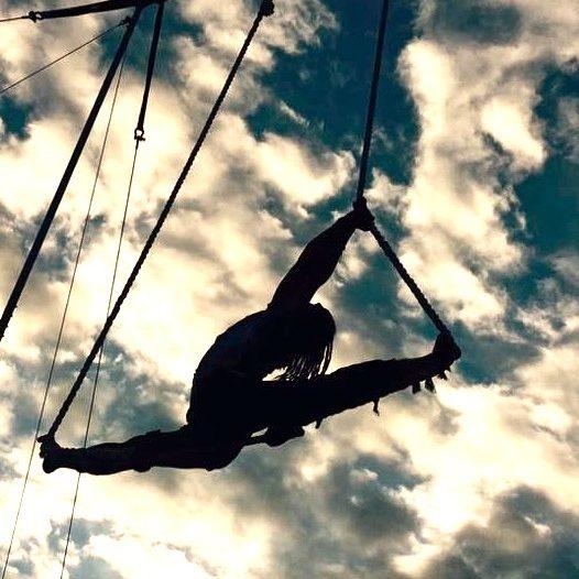 Iago aerial splits